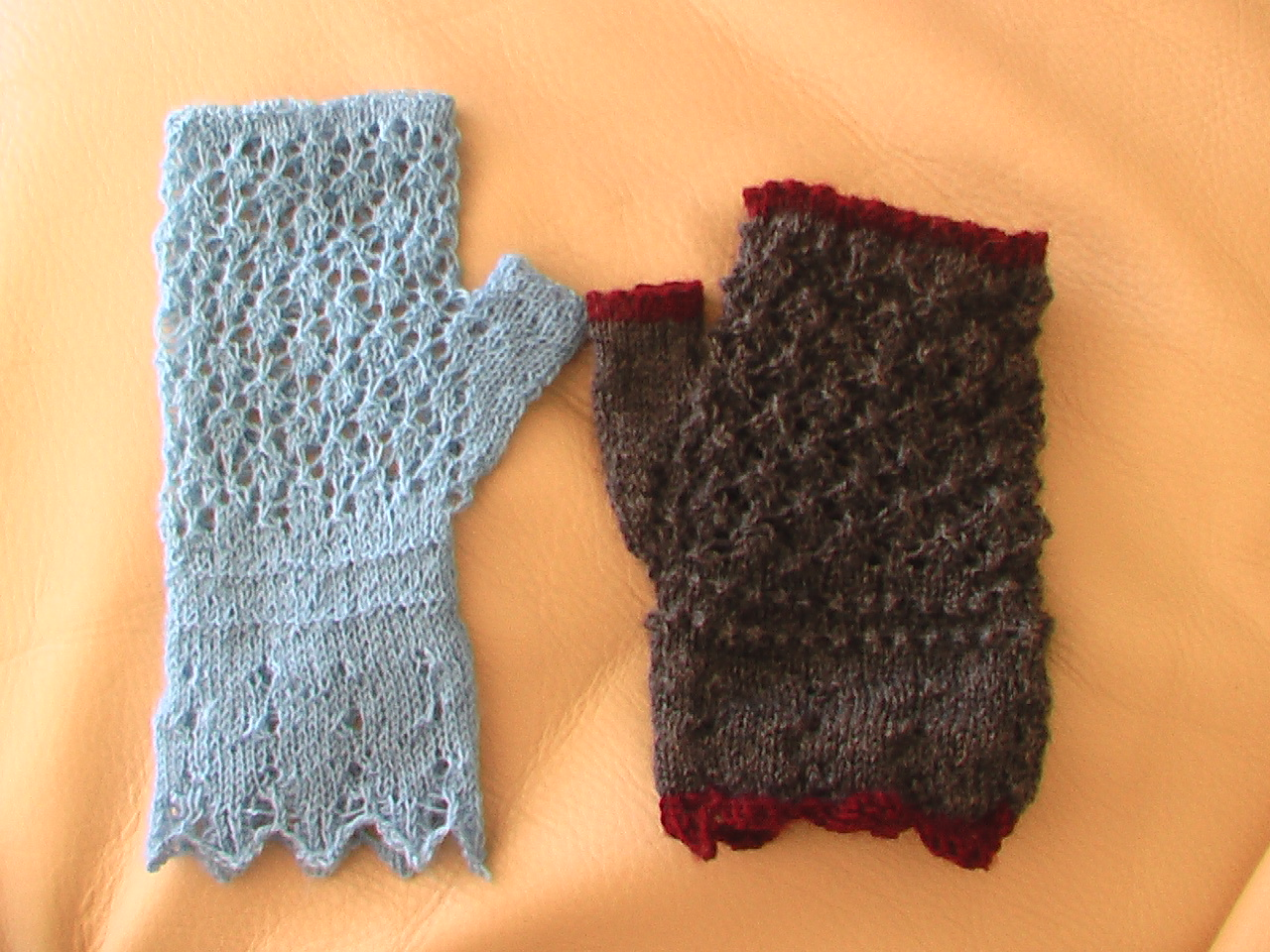 Knit Pattern Gloves Sock Yarn : SOCK YARN KNITTED GLOVES Gloves Online